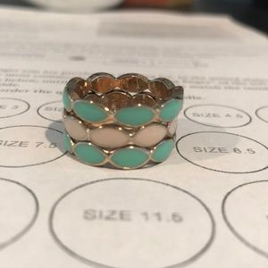 Jewelry - Set of 3 stackable rings in mint green and cream
